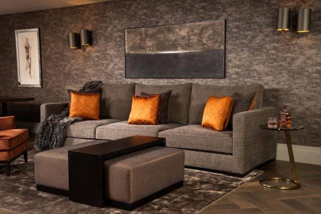 Sebastian sofa